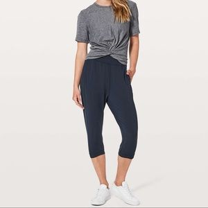 Lululemon rejuvenate crop 18 true navy blue